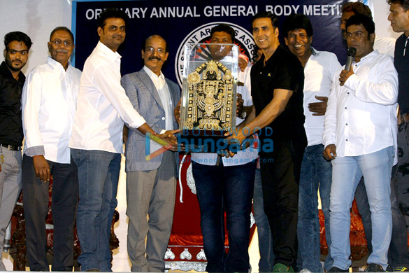 अक्षय कुमार ने फिल्म के स्टंट मैन के लिए इंश्योरेंस पॉलिसी लॉन्च की