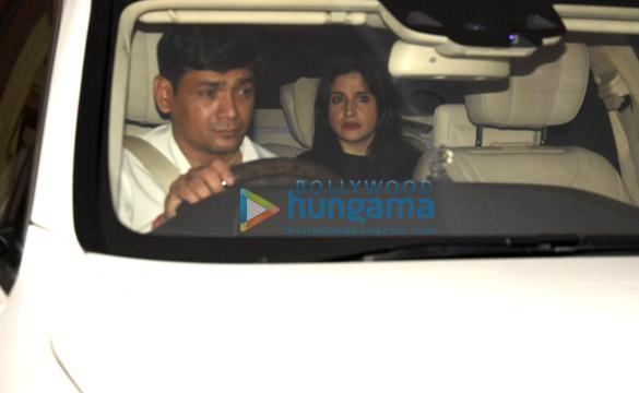 गौरी खान, सुजैन रोशन और माहिप कपूर करण जौहर के घर डिनर के बाद आईं नजर