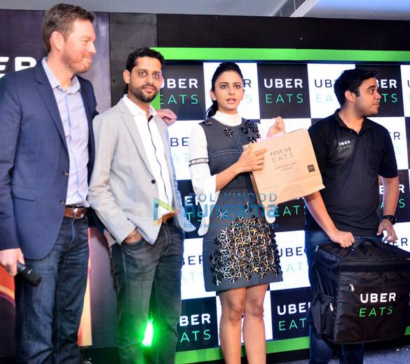 रकुल प्रीत ने हैदराबाद में 'उबर ईट्स' को लॉंच किया