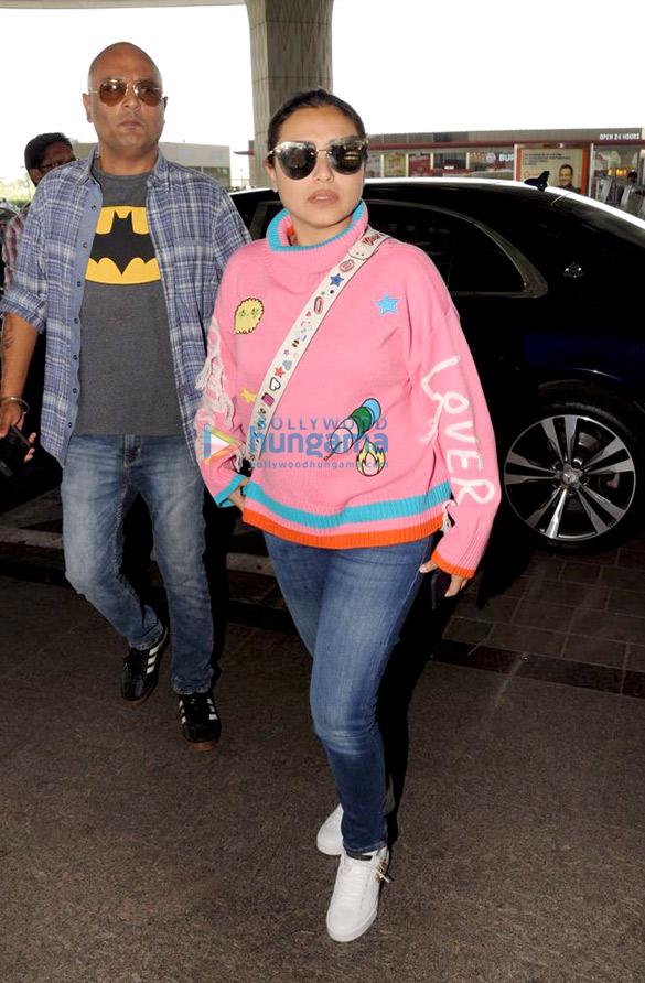 रानी मुखर्जी, सुनील शेट्टी, आथिया शेट्टी और अन्य हवाई अड्डे पर आईं नजर