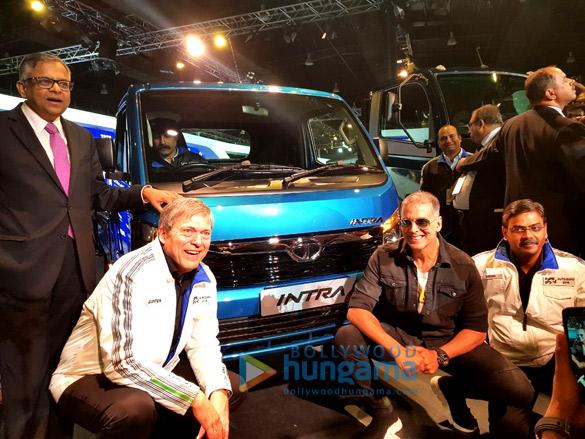 अक्षय कुमार टाटा मोटर्स द्वारा आयोजित ऑटो एक्सपो 2018 में शामिल हुए