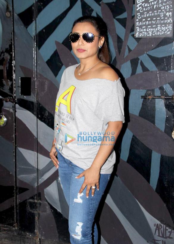 बांद्रा स्थित कोको क्लब में नजर आईं रानी मुखर्जी