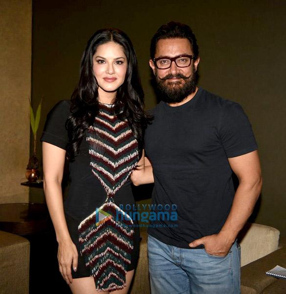 लाइटबॉक्स पर एक साथ नजर आए आमिर खान और सनी लियोन