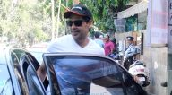 इंडिगो, बांद्रा में लंच के बाद नजर आए डिनो मोरिया