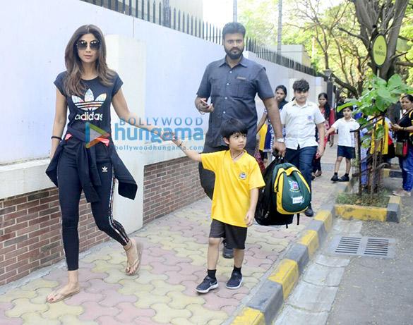 शिल्पा शेट्टी जुहू में अपने बेटे विहान के साथ आईं नजर