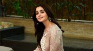 आलिया भट्ट दिल्ली में अपनी फ़िल्म राजी को प्रमोट करते हुए आईं नजर