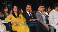 Photos: अमिताभ बच्चन 26/11 हीरो को श्रद्धांजली देते हुए नजर आए