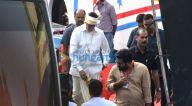 Photos: अमिताभ बच्चन फ़िल्मसिटी गोरेगांव में नजर आए