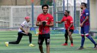 Photos: रणबीर कपूर, अपारशक्ति खुराना, डीनो मोरिया और अन्य फ़ुटबॉल मैच के दौरान नजर आए
