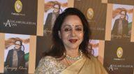 Photos: सितारों ने संजय खान की किताब 'Assalamualaikum Watan' के लॉंच की शोभा बढ़ाई