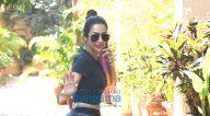 Photos: मलाइका अरोड़ा बांद्रा में Diva Yoga स्टूडियो में नजर आईं