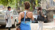 Photos: तापसी पन्नू बांद्रा में नजर आईं