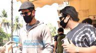 Photos: ऋतिक रोशन पीवीआर जुहू में अपने परिवार और जायद खान के साथ पहुंचे