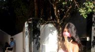 Photos: अंजिनी धवन सांताक्रूज़ में नजर आईं