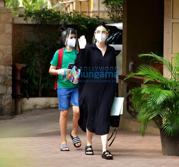 photos: इनाया नौमी खेमू और करिश्मा कपूर अपने बेटे के साथ करीना कपूर खान के घर पर नजर आईं