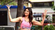 Photos: शिल्पा शेट्टी अपने घर के पास नजर आईं